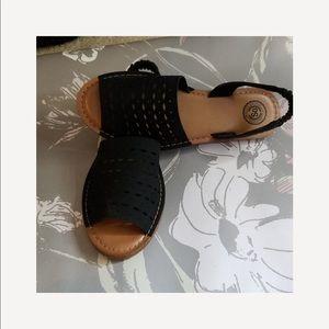 SO ( Kohl's) slip on sandals